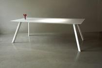 Mesa moderna / de Corian® / para edificio público / de interior
