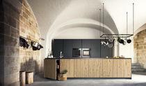 Cocina moderna / de melamina / de material laminado / de madera