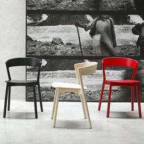 Silla moderna / apilable / de haya / de madera maciza