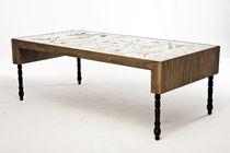 Mesa de comedor de diseño original / de nogal / de MDF / de latón