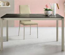 Mesa de comedor moderna / de madera lacada / de cristal / de aluminio