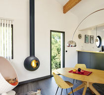 Chimenea de leña / moderna / hogar cerrado / de pared