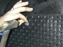 Membrana de drenaje con nódulos / de polietileno de alta densidad PEHD / para drenaje vertical / para superficies muy resistentes