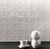 Baldosa de suelo / de cerámica / con motivos geométricos / 3D