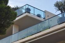 Barandilla de vidrio / de aluminio / con barrotes / de exterior