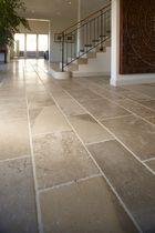 Baldosa para suelo / de piedra natural / pulida / rústica