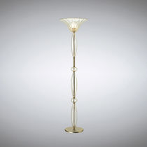 Lámpara de pie / clásica / de metal / de vidrio soplado