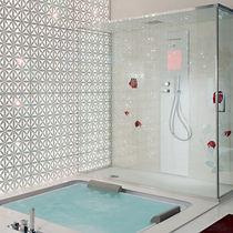 Baño moderno / de mármol / de acero