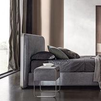Mesa moderna / de hierro / de cuero / curvada