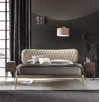 Cama estándar / doble / moderna / con cabecero tapizado
