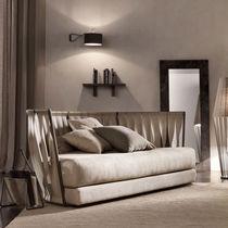 Sofá moderno / de cuero