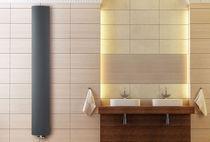 Radiador de agua caliente / vertical / de aluminio / de pared