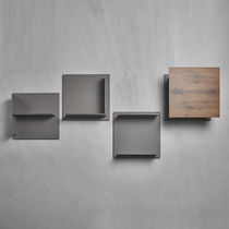 Estantería mural / moderna / de madera / de metal lacado