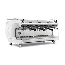Cafetera espresso / para uso profesional / automática / de 3 grupos