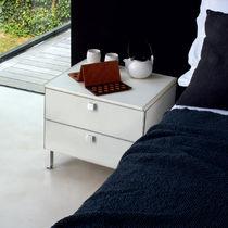 Mesa de noche / moderna / de cuero / de aluminio