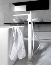 Grifo mezclador para bañera / de cromo / de baño / con 2 orificios