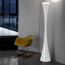 Lámpara de pie / de diseño original / de resina / de interior