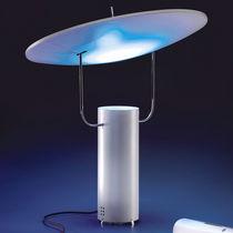 Lámpara de mesa / de diseño original / de aluminio / de interior