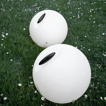 Lámpara de suelo / moderna / de polietileno / para exterior