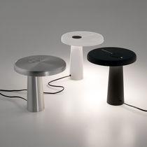 Lámpara de mesa / de diseño original / de resina / de interior