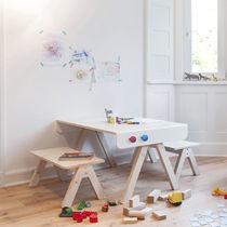 Conjunto de mesa y silla moderno / de madera / infantil (unisex)