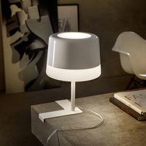 Lámpara de mesa / moderna / de metal / de polietileno
