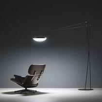 Lámpara de pie / de diseño minimalista / de metal / de interior