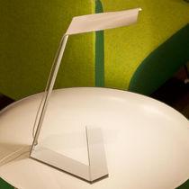 Lámpara de mesa / de diseño original / de metal / de interior