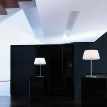 Lámpara de mesa / moderna / de polietileno / de interior