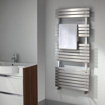 Radiador toallero de agua caliente / de acero / moderno / vertical