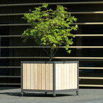 Jardinera de metal / de madera / cuadrada / clásica