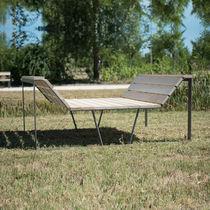 Sofá moderno / de exterior / de madera / para edificio público