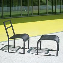 Silla moderna / con reposapiés / de acero / para espacio público