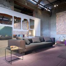 Sofá moderno / de tejido / 100 % reciclable / gris