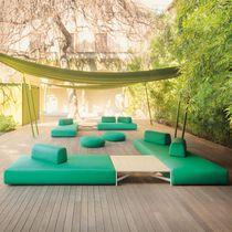 Sofá moderno / de jardín / de tejido / 7 plazas o más