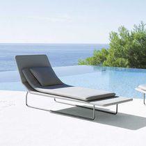 Chaise longue moderna / de acero inoxidable / de poliéster / de exterior