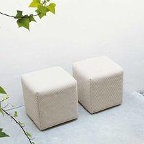 Puf moderno / de tejido / cuadrado / de jardín