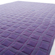 Alfombra moderna / con motivos geométricos / de lana / de fieltro
