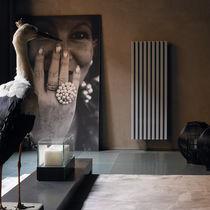 Radiador de agua caliente / vertical / aluminio / de pared