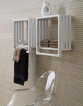 Radiador secatoallas de agua caliente / eléctrico / cuadrado / de metal