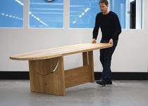 Mesa moderna / de madera maciza / ovalada / profesional