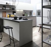 Cocina moderna / de madera lacada / en L