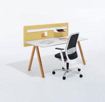 Mesa de trabajo moderna / de roble / de acero / rectangular