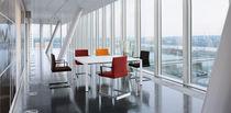 Mesa de reuniones moderna / de melamina / rectangular / ovalada