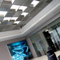 Falso techo de aluminio / de acero / en losas
