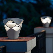 Lámpara de mesa / moderna / de poliuretano / regulable