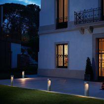 Bolardo de iluminación para jardín / moderno / de hormigón / LED