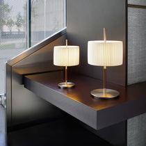 Lámpara de mesa / moderna / de algodón / de hierro