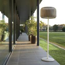 Lámpara de pie / moderna / de aluminio / de hierro fundido