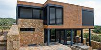 Celosía con lamas de aluminio / para fachada / para ventana / orientable